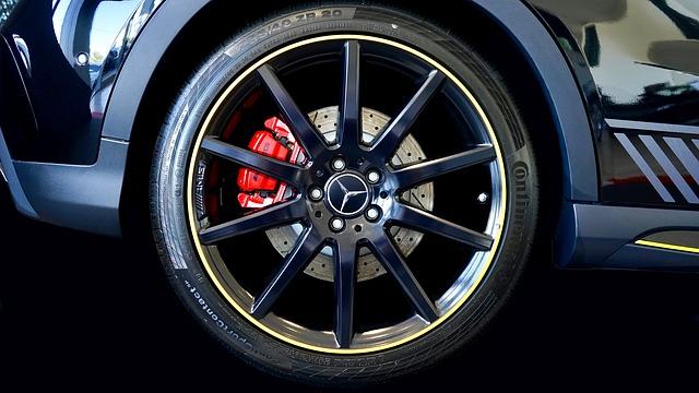 Zacisk hamulcowy w samochodzie – budowa i regeneracja